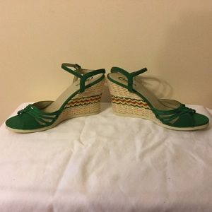 Open-toe, wedge heel sandals by Candie's size 9M